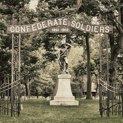 Confederate Soldier Stands Watch At Confederate Cemetery Poster