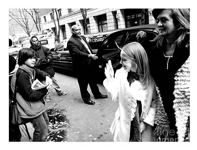 Dakota Fanning Waves To A Young Fan In Nyc 2007 Poster