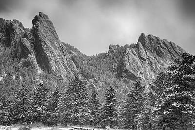 Dusted Flatiron In Black And White  Poster