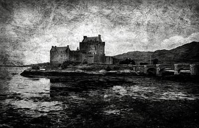 Eilean Donan Castle In Scotland Bw Poster