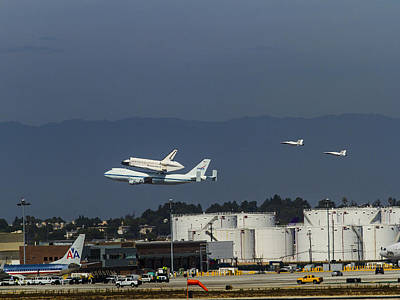 Endeavor Foies First Of Two Flyovers Over Lax Poster by Denise Dube