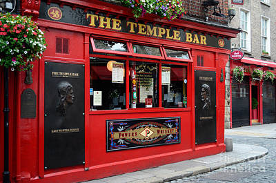 Famous Temple Bar In Dublin Poster