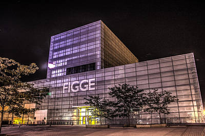 Poster featuring the photograph Figge Art Museum by Ray Congrove