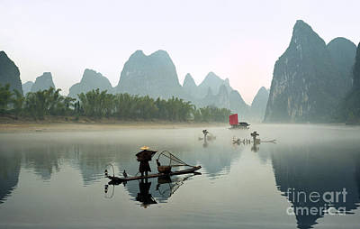 Fishermen On Li River Poster