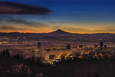 Fog Rolling In At Dawn Over The City Of Portland Poster
