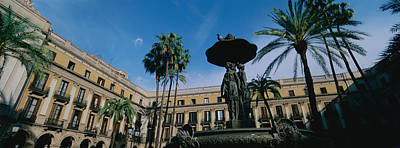 Fountain In Front Of A Palace, Placa Poster by Panoramic Images