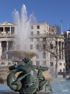 Fountains In Trafalgar Square Poster