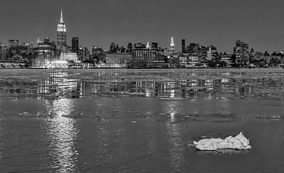 Frozen Midtown Manhattan Nyc Bw Poster