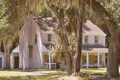 Generals Quarters At Fort Mcallister Poster by Linda Covino