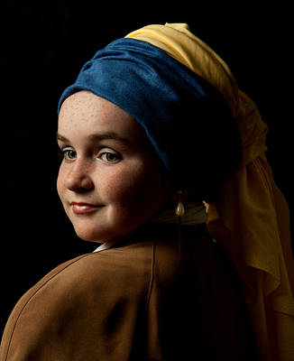 Girl With A Pearl Earring Poster by Levin Rodriguez
