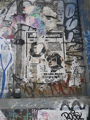 Graffiti In New York City Che Guevara Mussolini  Poster