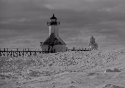 Saint Joseph Michigan Lighthouse In Winter Poster by Dan Sproul