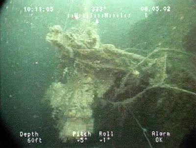 Gun Mounted On A Us Naval Shipwreck Poster