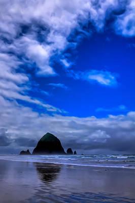 Haystack Rock In Cannon Beach Oregon Poster