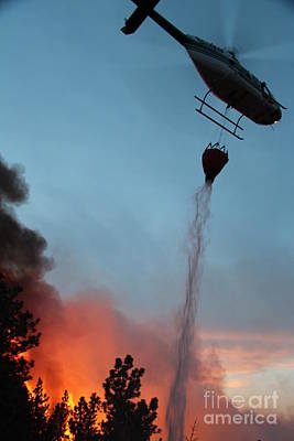 Helicopter Drops Water On White Draw Fire Poster by Bill Gabbert
