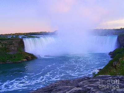 Horseshoe Falls Sunset In The Summer Poster
