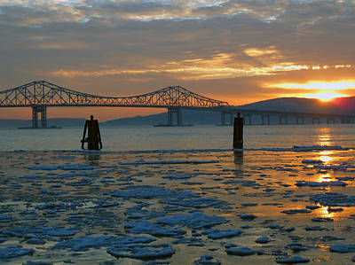 Hudson River Icey Sunset Poster
