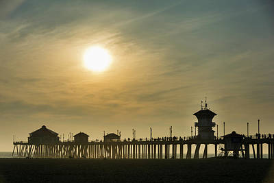 Huntington Pier And Sun Poster by Roberto Lopez