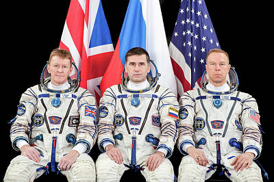 Iss Expedition 46 Crew Poster by Nasa