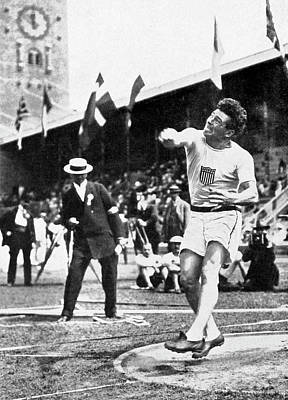 James Duncan Discus Throw Poster by Underwood Archives