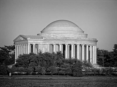 Jefferson Memorial In Black And White Poster