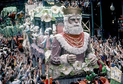 King Cotton Float In Rex Parade Poster by Susan Leavines