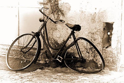 Poster featuring the photograph La Bicicletta by Oscar Alvarez Jr