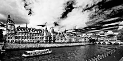 Poster featuring the photograph La Conciergerie / Paris by Barry O Carroll