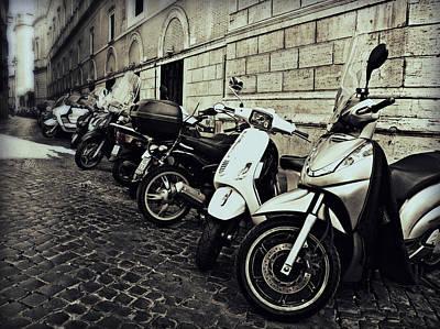 La Terra Di Moto Poster