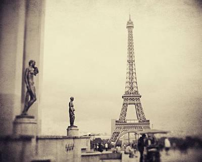 Le Petit Paris Poster by Studio Yuki