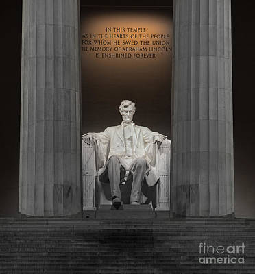 Lincoln And Columns Poster by Jerry Fornarotto