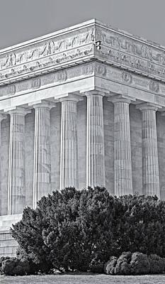 Lincoln Memorial Pillars Bw Poster by Susan Candelario