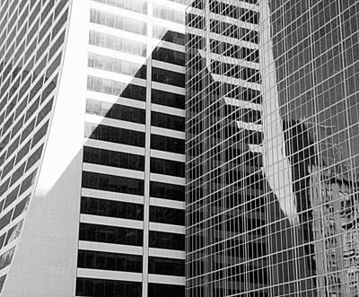 Mahnattan Architecture Black And White Poster by Valentino Visentini