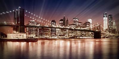 Manhattan Nyc - The Setting Sun Poster by Melanie Viola