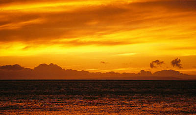 Poster featuring the photograph Maui Sunset Sun 125 by G L Sarti
