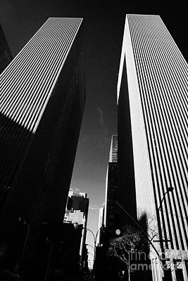 Mcgraw Hill And Celanese Building Part Of The Rockefeller Center Midtown New York City Poster