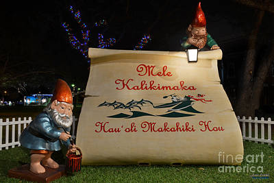 Mele Kalikimaka Sign And Elves Poster