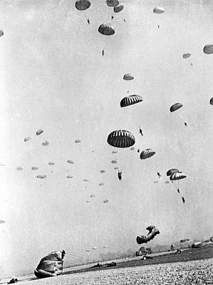 Members Of The First Allied Airborne Army Drop Behind German Pos Poster by Underwood Archives