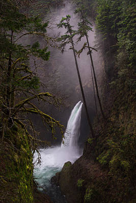 Metlako Falls Oregon Poster by Larry Marshall