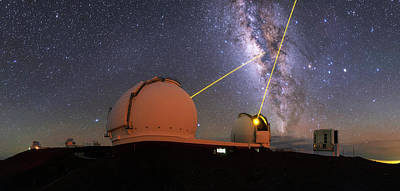 Milky Way Over Mauna Kea Observatories Poster