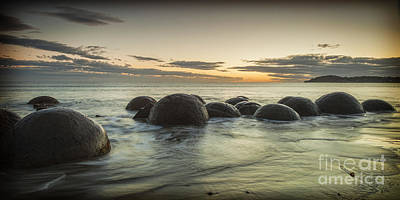 Moeraki Boulders New Zealand At Sunrise Poster