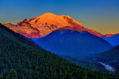 Mount Rainier Alpenglow Poster