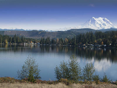 Mount Rainier In The Fall Poster by Ron Roberts