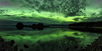 Northern Lights Above Sunshine Cove Poster by John Hyde