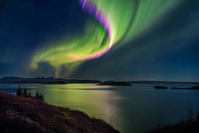 Northern Lights Over Thingvallavatn Or Poster
