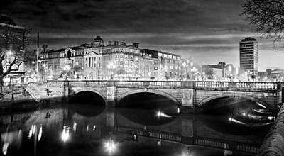 Poster featuring the photograph O Connell Bridge At Night - Dublin - Black And White by Barry O Carroll