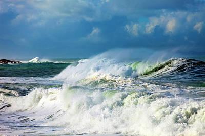 Ocean Waves Poster by Wladimir Bulgar