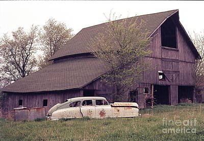 Old Barn Northern Illinois Poster by Robert Birkenes