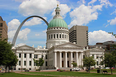 Old Courthouse And Arch Jefferson Nat'l Poster