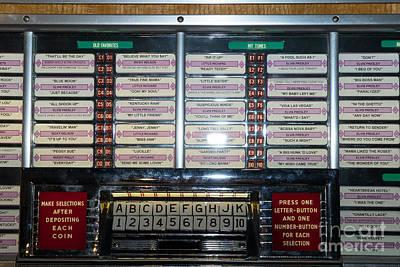 Old Vintage Seeburg Jukebox Dsc2762 Poster